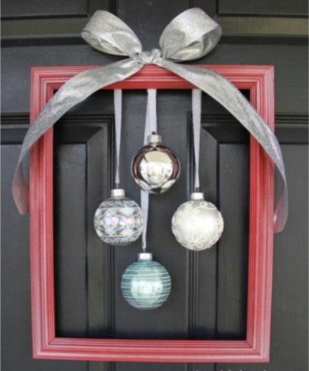 framed-ornament-wreath