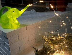 pothsthri elefantas me lampakia