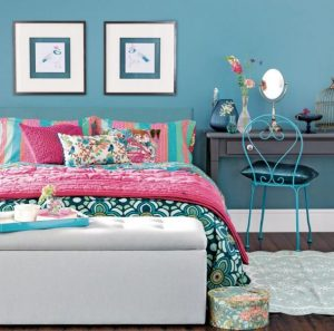 floral style bedroom