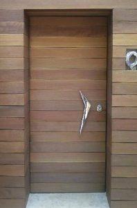 monterna thorakismeni porta