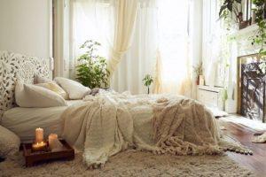 πιατελα με κερια σε κρεβατι