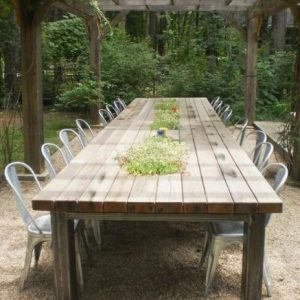 μεγάλο τραπέζι εξωτερικού χώρου