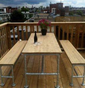 τραπέζι για μπαλκόνι