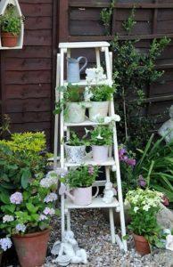 λευκη διακοσμητικη σκαλα