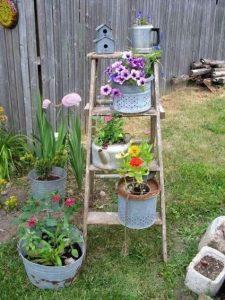 σκαλα χαμηλη για λουλουδια