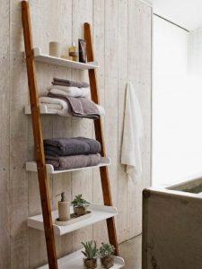 σκάλα- ραφιέρα για το μπάνιο