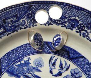 μπλε σκουλαρίκια από πορσελάνη
