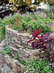 διακόσμηση κήπου με πέτρα