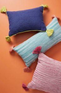 χρωματιστά μαξιλάρια