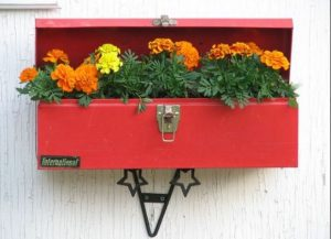 διακόσμηση εξωτερικού τοίχου λουλούδια