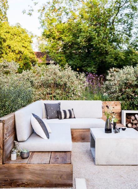 μικρός γωνιακός καναπές με αποθηκευτικό χώρο