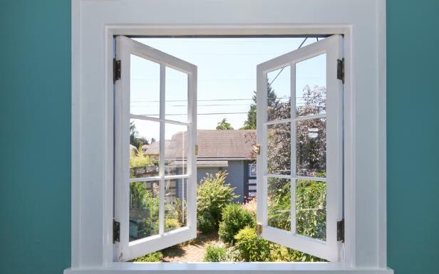 παράθυρο ανοιχτό με θέα