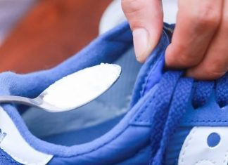 μαγειρική σόδα στα παπούτσια
