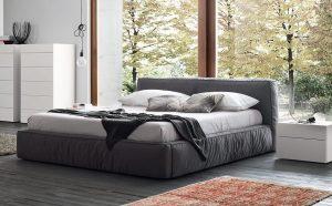 μεγάλο κρεβάτι