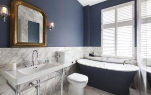 μπλε μπάνιο ντεκόρ exypnes-idees.gr