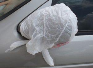 καθρέφτης αυτοκινήτου πλαστική σακούλα