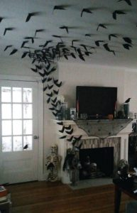 νυχτερίδες σε όλον τον τοίχο