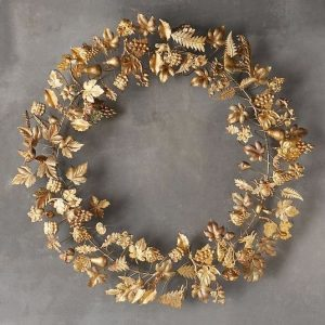 συρμάτινο στεφάνι με φύλλα