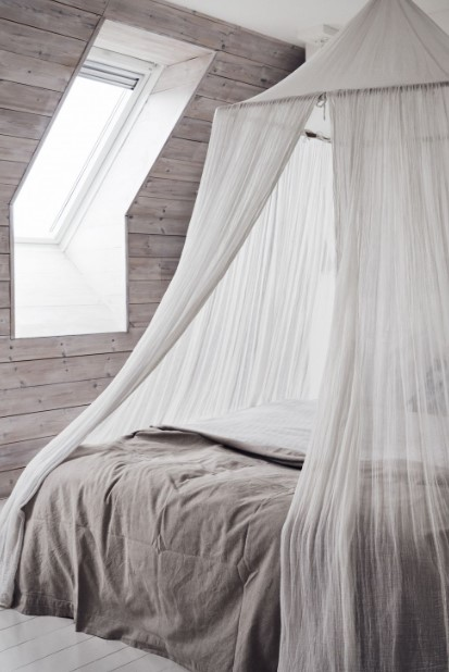 κρεβάτι με ουρανό