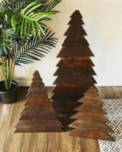 ξύλινα δέντρα από τρίγωνα
