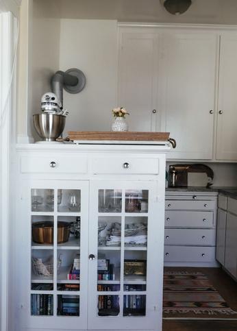 Ντουλάπια κουζινας με γυαλί