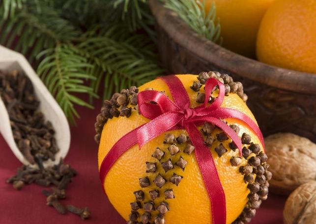 Πορτοκάλι με γαρίφαλα