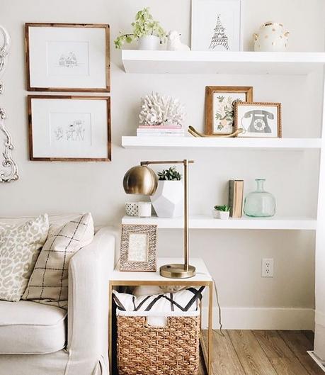 Άσπρα ράφια σε σαλόνια