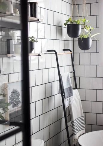 Σκάλα για πετσέτες για να οργανώσεις το μπάνιο