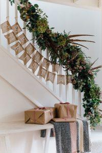 εσωτερικές σκάλες διακόσμηση Χριστουγέννων