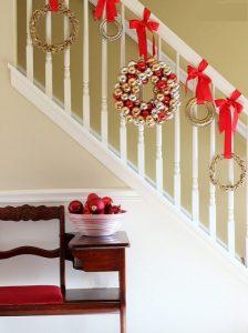 στεφάνι σκάλα διακόσμηση Χριστούγεννα