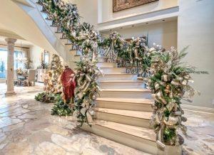 χριστουγεννιάτικη γιρλάντα σκάλες