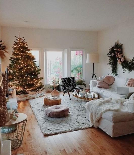 χριστουγεννιάτικο δέντρο σαλόνι