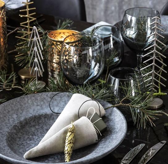 ενδεικτική χριστουγεννιάτικη διακόσμηση για το τραπέζι
