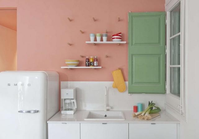 συνδυασμοί χρωμάτων για την κουζίνα: ροζ και πράσινη κουζίνα