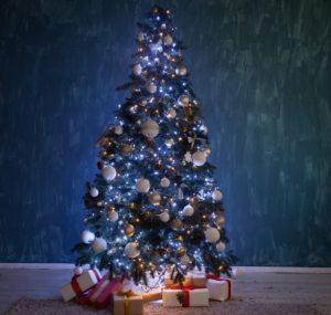 φυσικό χριστουγεννιάτικο δέντρο με μίνι led λαμπάκια