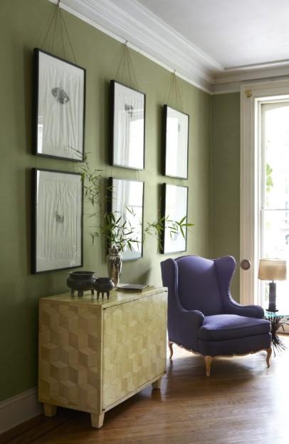 σαλόνι τοίχος στο πράσινο της ελιάς