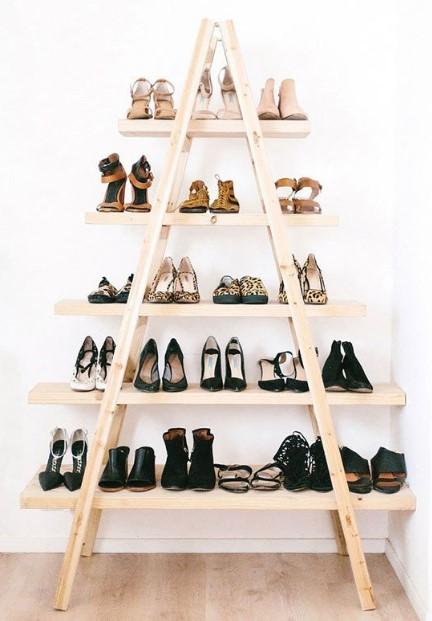 σκάλα αποθήκευσης παπουτσιών