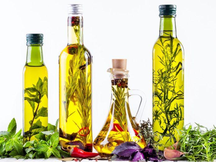 Πως να φτιάξεις αρωματικό λάδι με βότανα