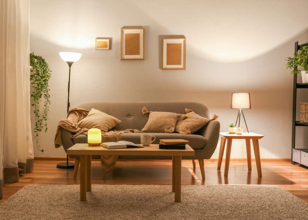 Συμβουλές διαρρύθμισης για το σαλόνι και σωστά σημεία φωτισμού