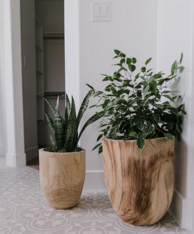 ξύλινες γλάστρες