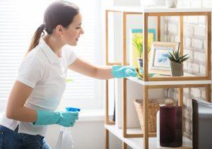 καθαρισμός επίπλων σπιτιού