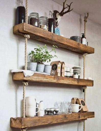ράφια από ξύλο και σχοινιά