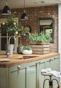 εσωτερικός πέτρινος τοίχος στη κουζίνα
