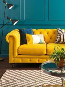 μπλε με κίτρινο σαλόνι