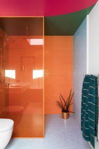 πορτοκαλί μπάνιο
