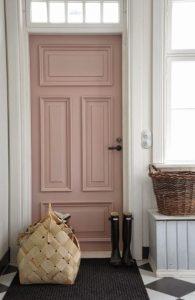 ροζ πόρτα σπιτιού