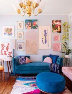 Σαλόνι με μπλε καναπέ