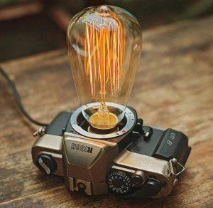 φωτογραφικη μηχανη με λαμπα