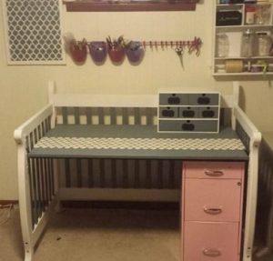 κρεβατακι μωρου σε τραπεζακι