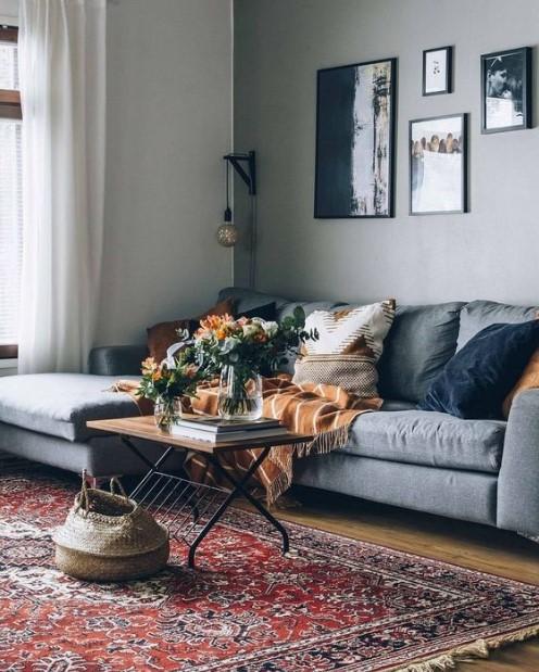 σαλόνι χαλί γκρι καναπές